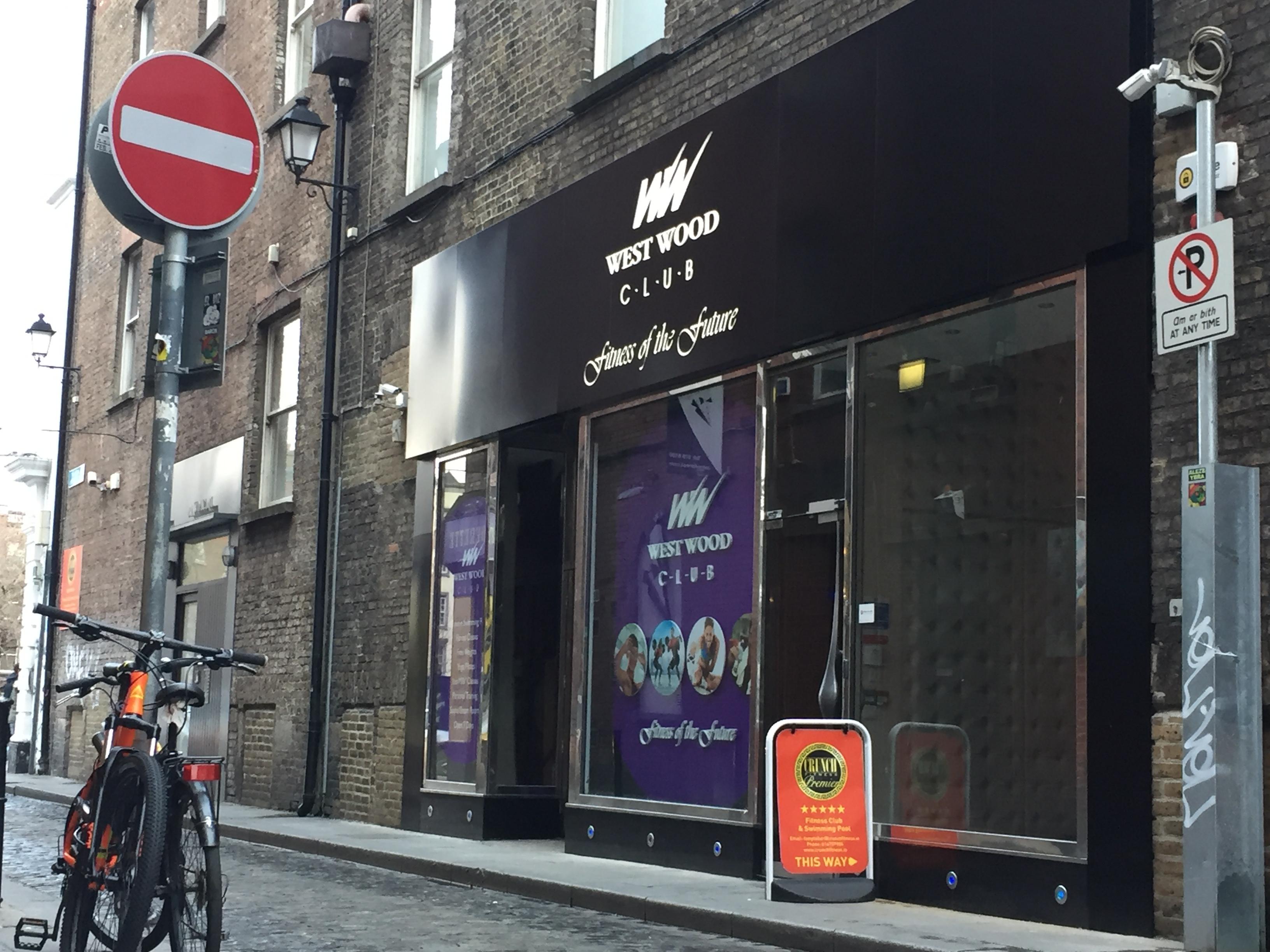 shop front – fitout Donridge