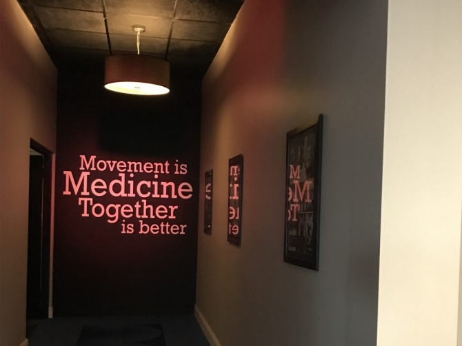 Wall vinyl with soft light effect by Donridge